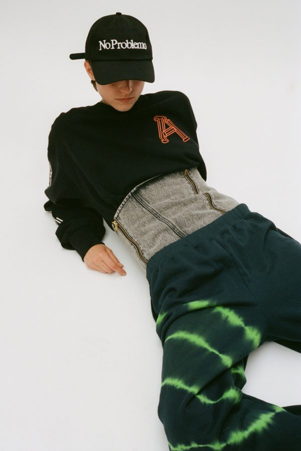 Aries-Greek-Column-Sweatshirt-black-03